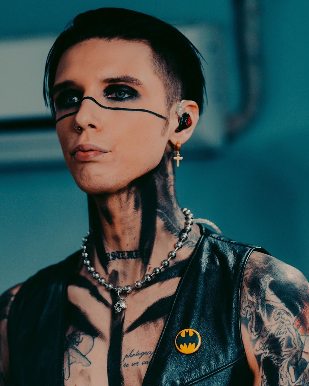 Pin by Cs on Andy biersack in 2020 | Black veil brides andy