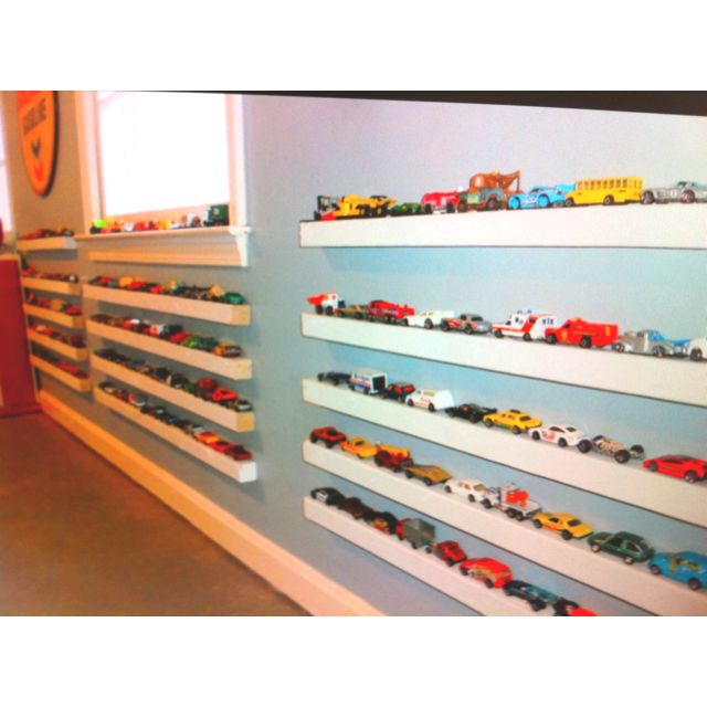 Toy car storage for little boys would the cars actually for Raumgestaltung mcqueen