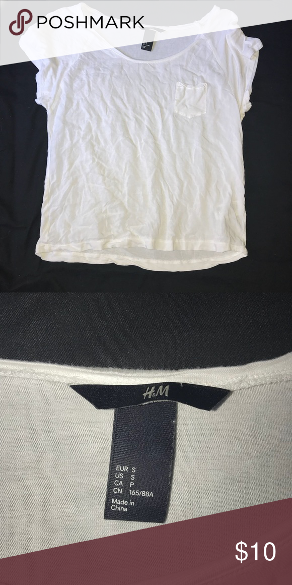 6c3a2dafa6c67 H M White Crop Top Shirt with Pocket- loose fit White flowy crop top with  side pocket H M Tops Crop Tops