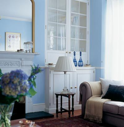 Traditional Blue Lounge With Ribbon