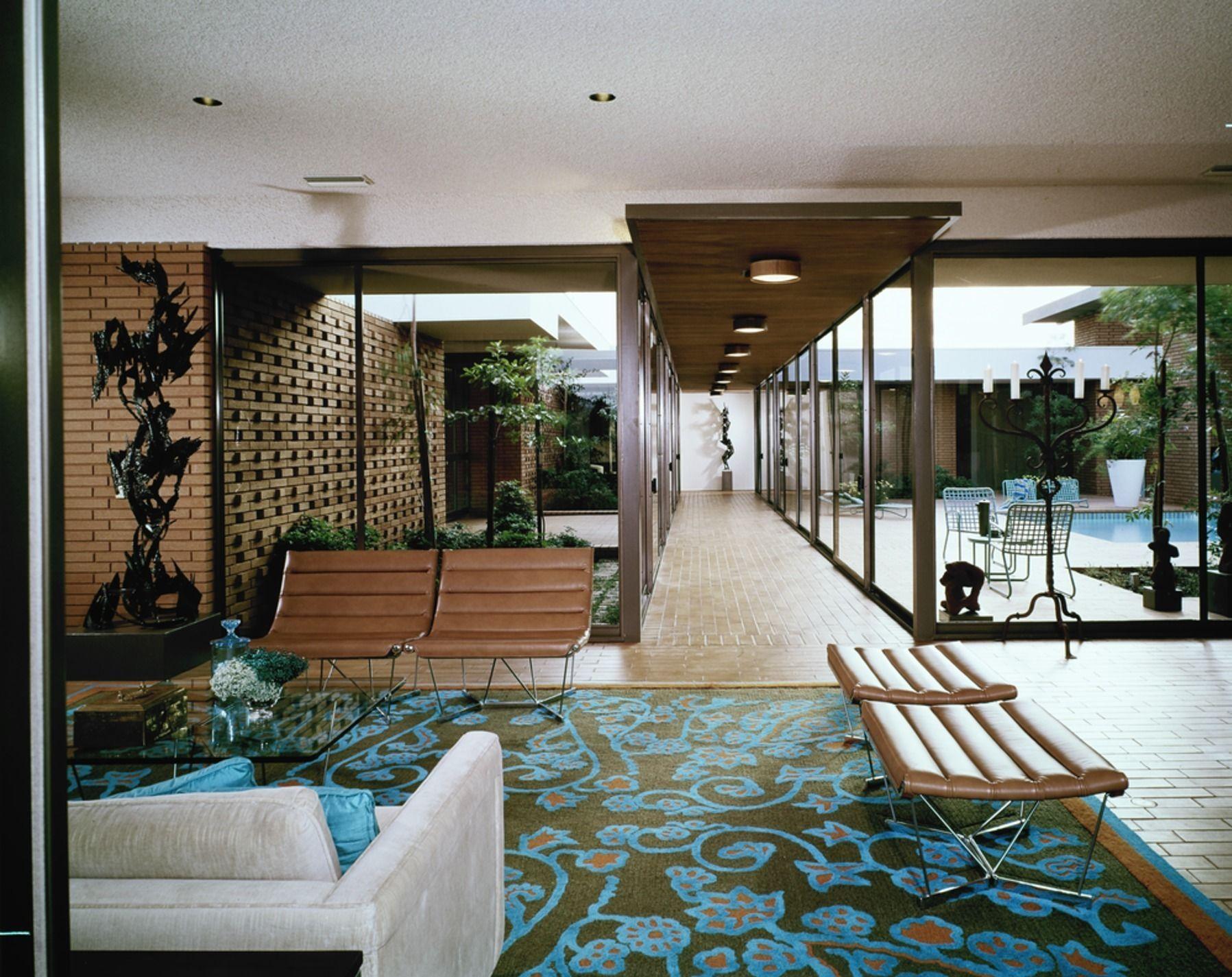 5 mid century living rooms that made history bo pinterest maison moderne moderne et interieur - Idees decors du milieu du siecle salon ...