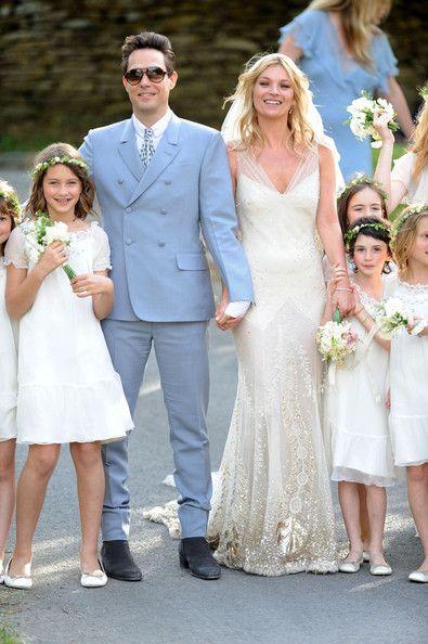 Hoy recordamos la boda de Kate Moss y Jamie Hince tres años atrás ...