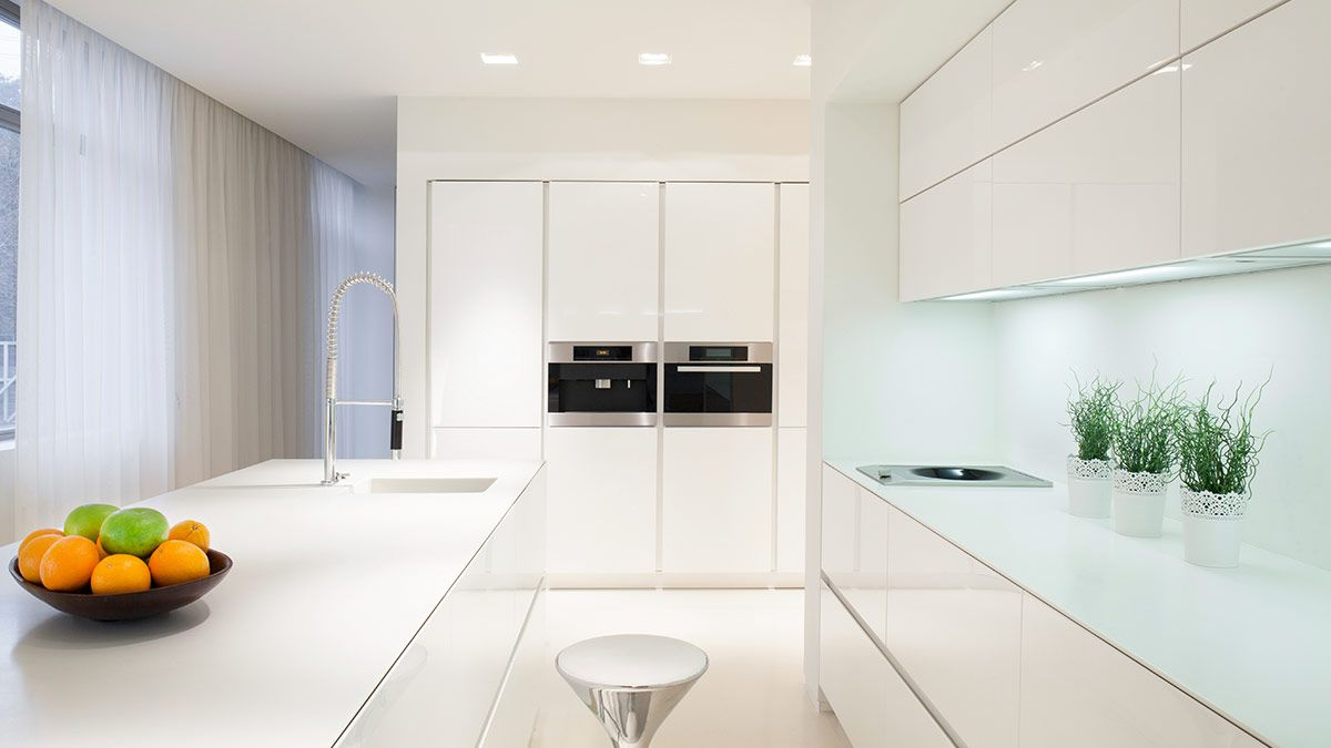 cocina con isla blanca moderna serie hölst - muebles de cocina en ... - Disenos De Muebles De Cocina