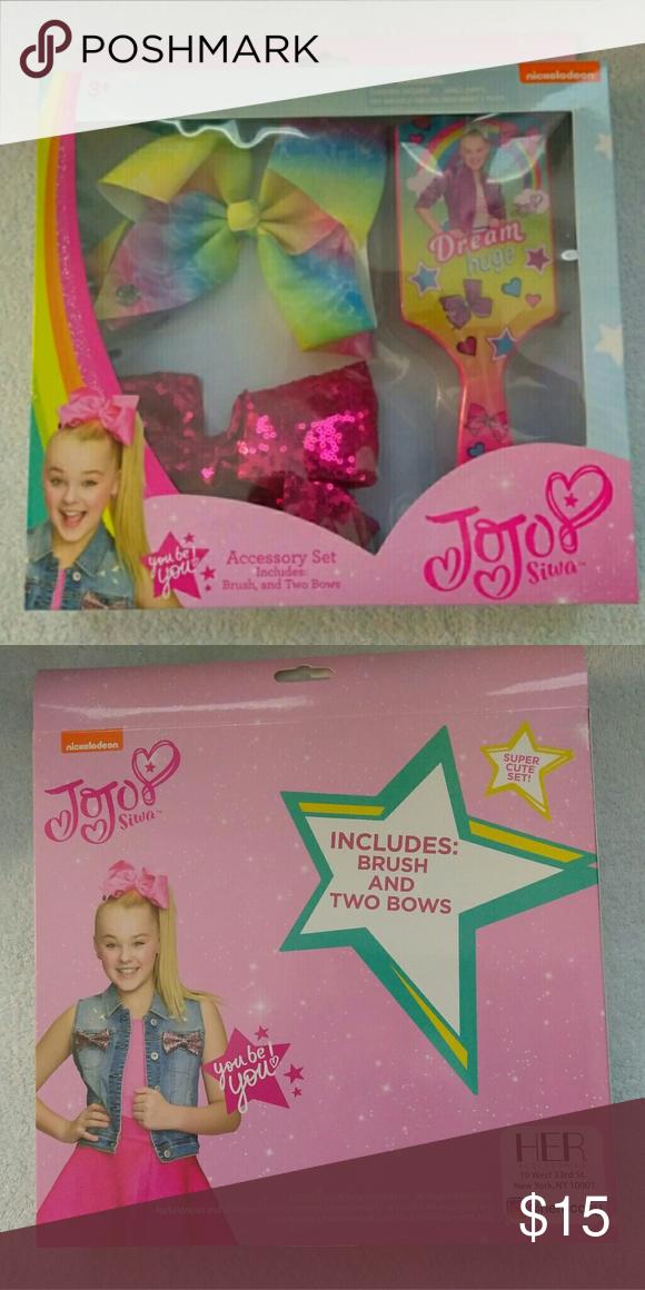 Jojo Siwa accessory set Bows And Brush Dream Brush And Bow Set