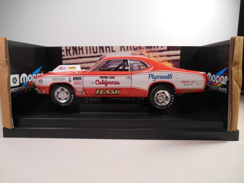 ertl 1971 plymouth duster butch leal the california flash 1 18 diecast car butches plymouth. Black Bedroom Furniture Sets. Home Design Ideas