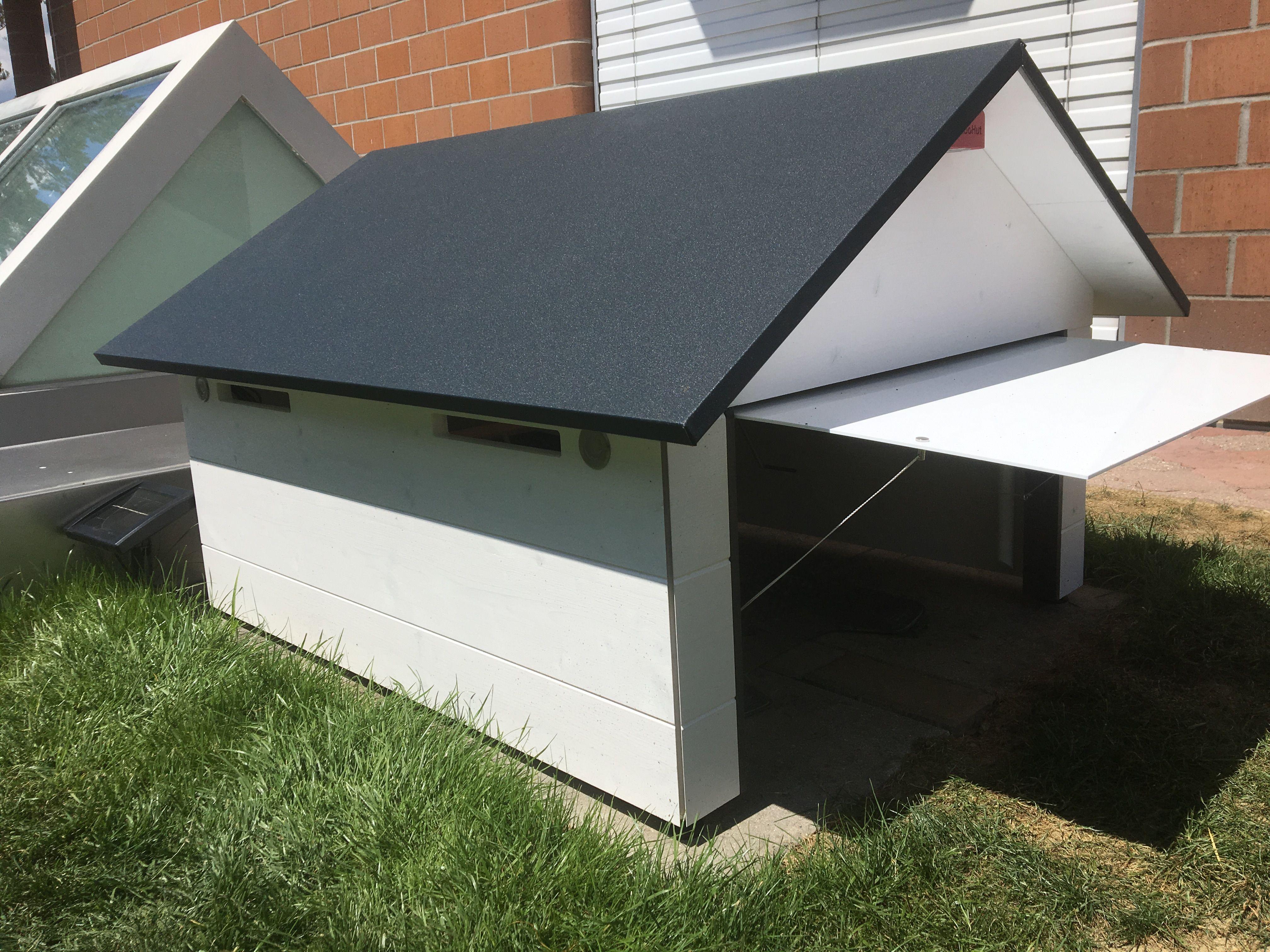 m hroboter garage aus holz mit tor und solar led und mit. Black Bedroom Furniture Sets. Home Design Ideas