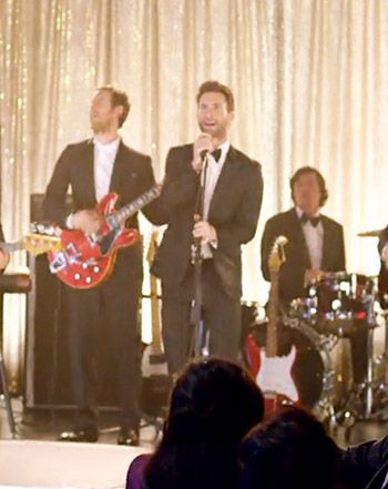Watch Adam Levine Crash Weddings In Maroon 5 S New Sugar Music Video Maroon 5 Music Videos Maroon