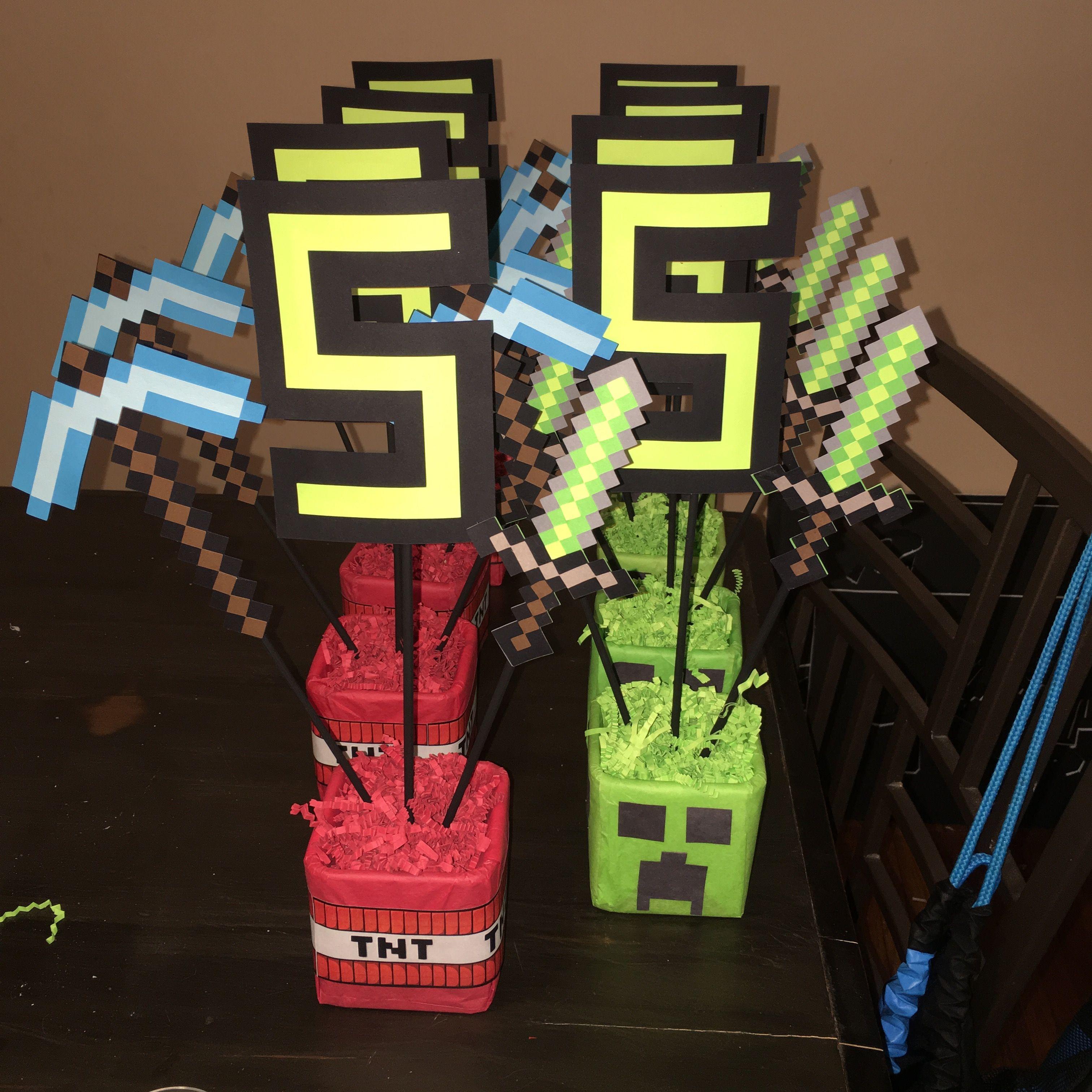 DIY Minecraft Centerpieces