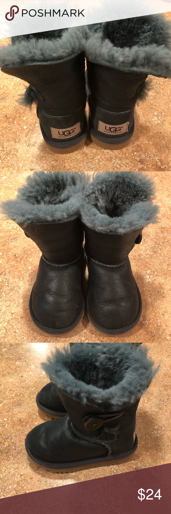 a05d562c058 Toddler ugg boots Size 7 used toddler ugg boots. Very pretty deep ...