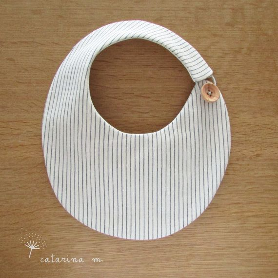 BABY BIB PATTERN Model n.2 Catarina M. by catarinamcrafts #portugal
