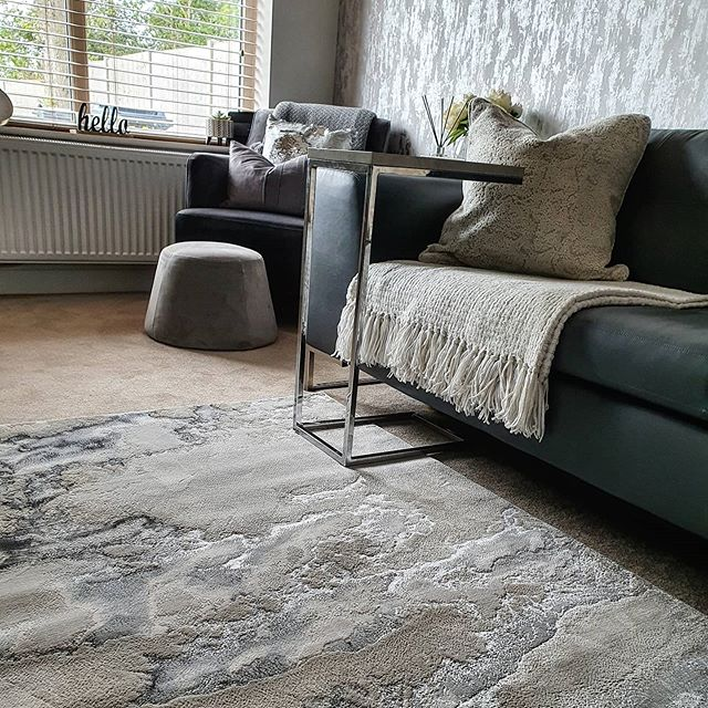 Thank You To Srinteriordesign For Tagging Us In Her Lovely Home Yaaay So Most Of You Guessed It Right It S My New Rug I In 2020 Rugs Home Falling In Love