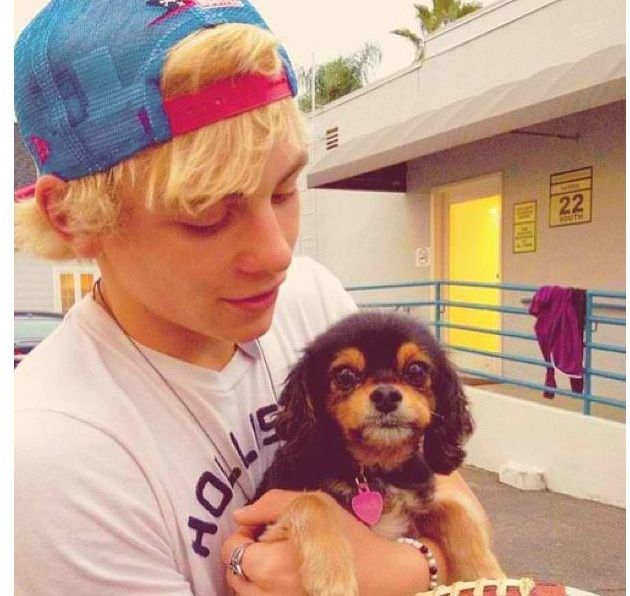 Ross lynch and pixie