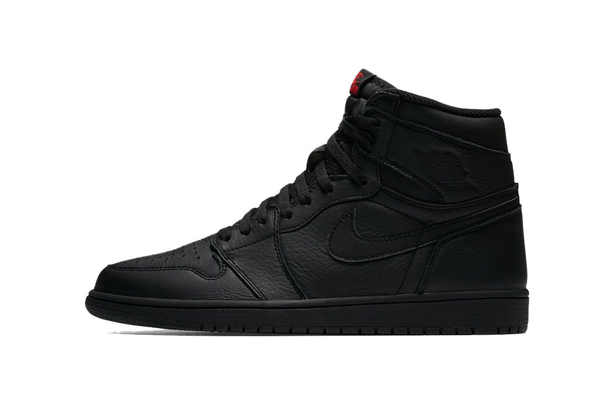 ea5457fa566 The Air Jordan 1 Retro High OG Goes