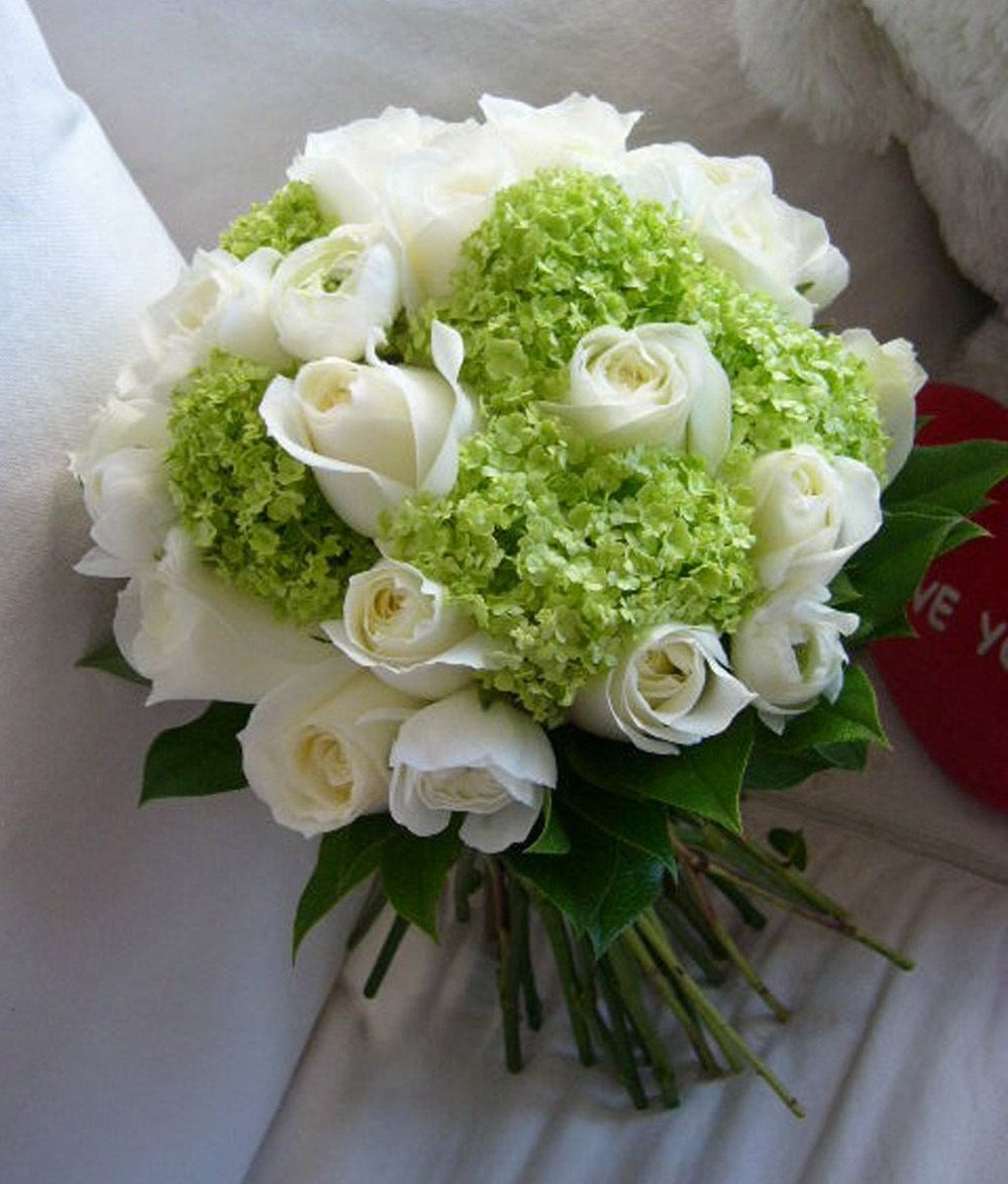 large rose bridal bouquet creamy white rose green snowball viburnum mini hydrangea real. Black Bedroom Furniture Sets. Home Design Ideas