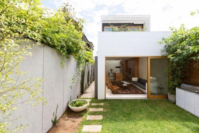 gartenmauer ideen sichtschutz hof schiebet ren begr nte. Black Bedroom Furniture Sets. Home Design Ideas