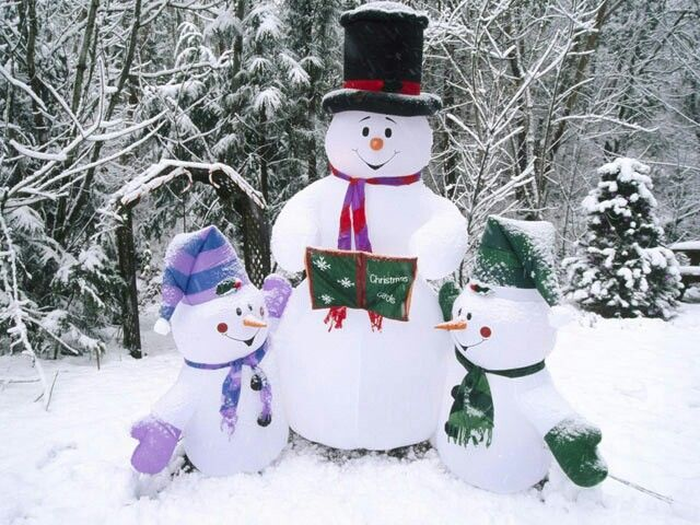 Snowmen. Gonna Make A Black Hat Like His This Winter For My Snowman. Love