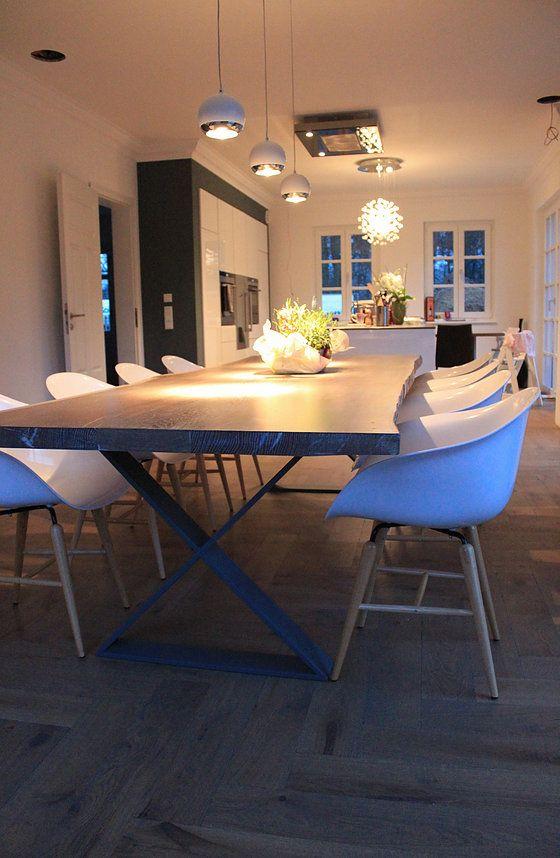 naturholztisch baumtisch baumkante am tisch eisengestell tischuntergestell holztisch auf ma. Black Bedroom Furniture Sets. Home Design Ideas