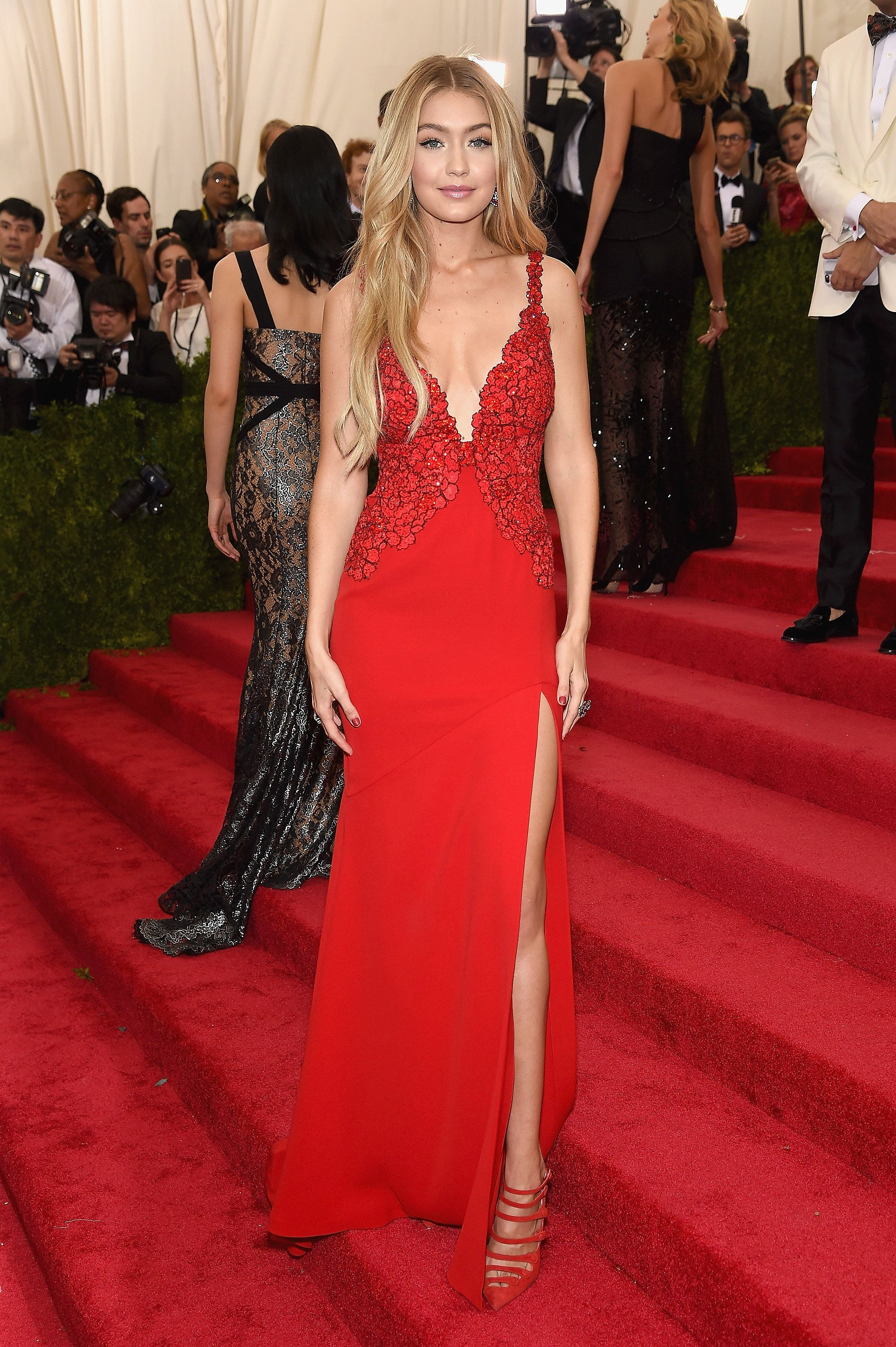 Met Gala 2015 Fashion Live From The Red Carpet Met Gala Red Carpet Nice Dresses Red Gowns [ 3000 x 1997 Pixel ]