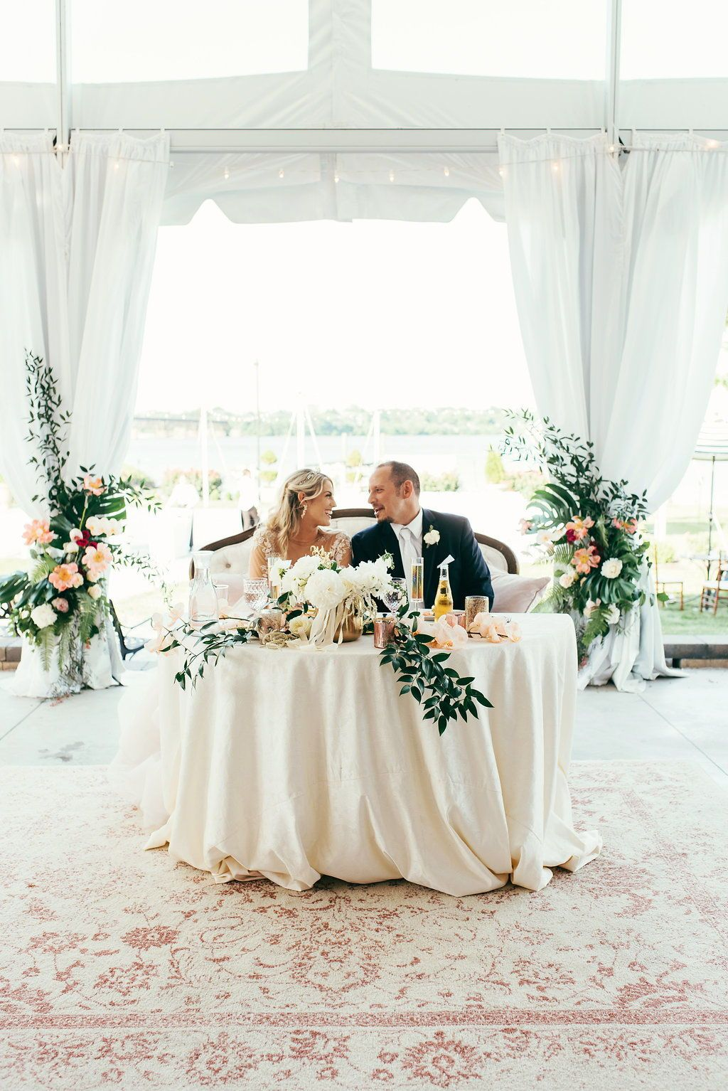 Pin On Sweetheart Table Inspiration