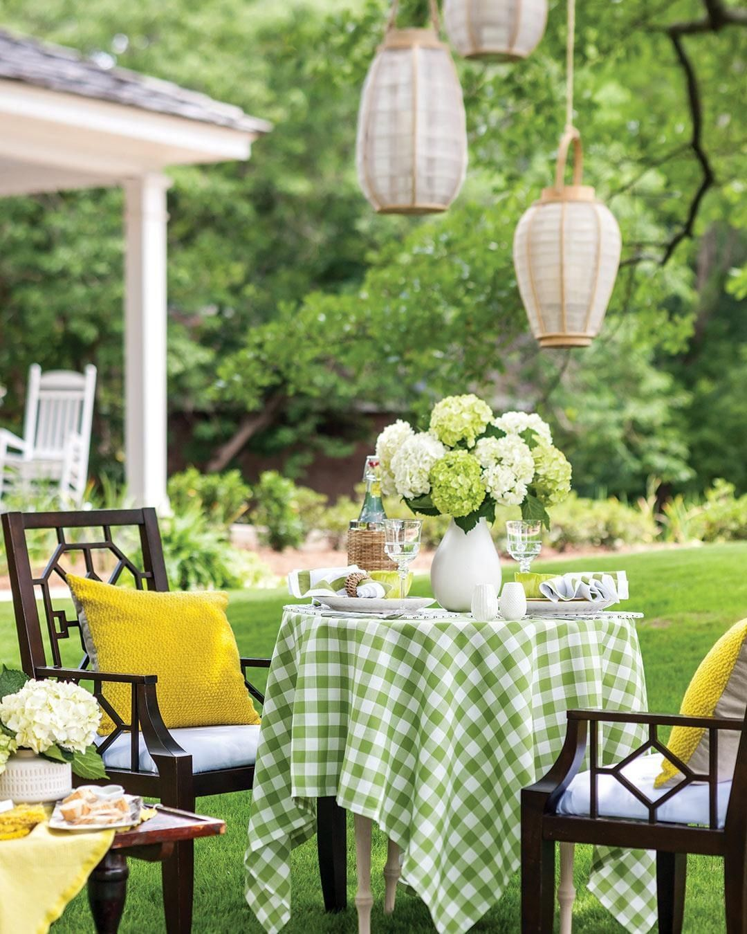 If You Could Have Tea With Any One Person At This Table Who Would You Invite Thecottagejournal Outdoordining Garden Garden Fleur Jardin Jardins Table