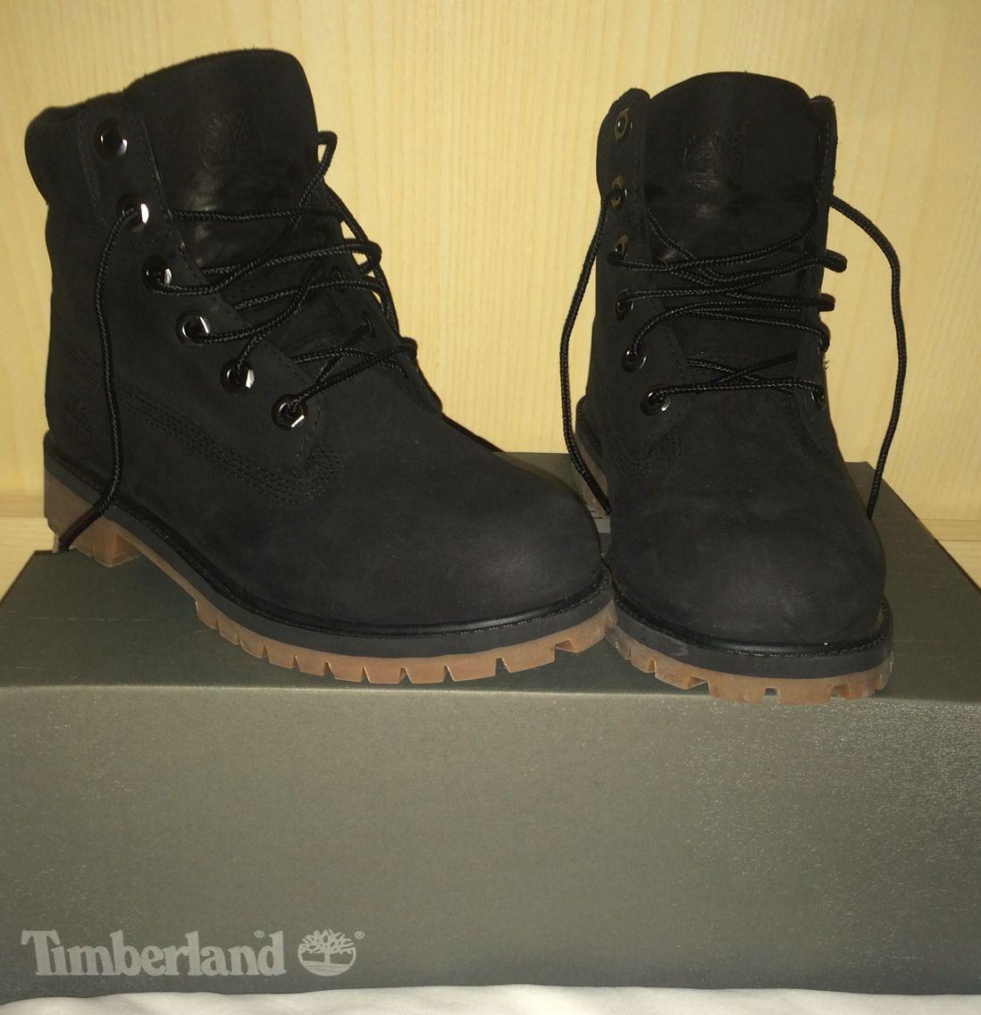 Black Timberland.