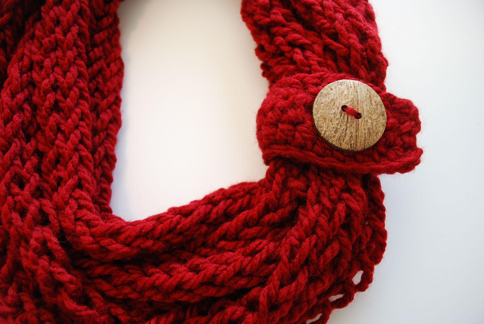 Finger Knit Infinity Scarf | Finger knitting, Crochet infinity scarf ...