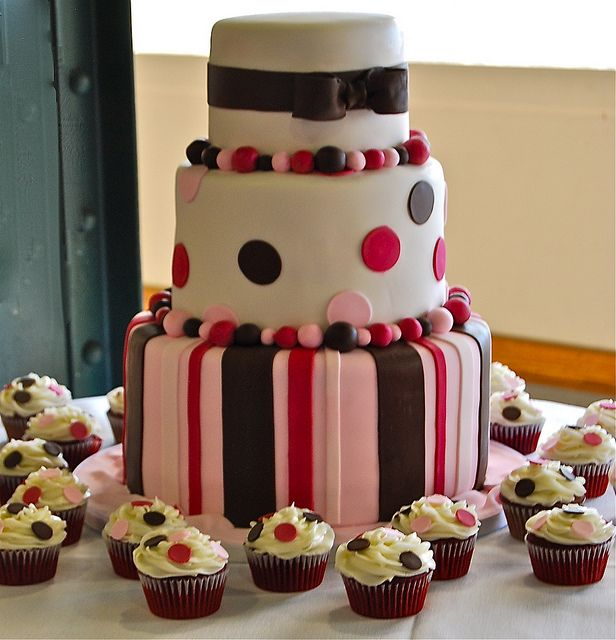 wedding cake stripes and polka dots stripes and polka dots wedding cake wedding cake cake 25766