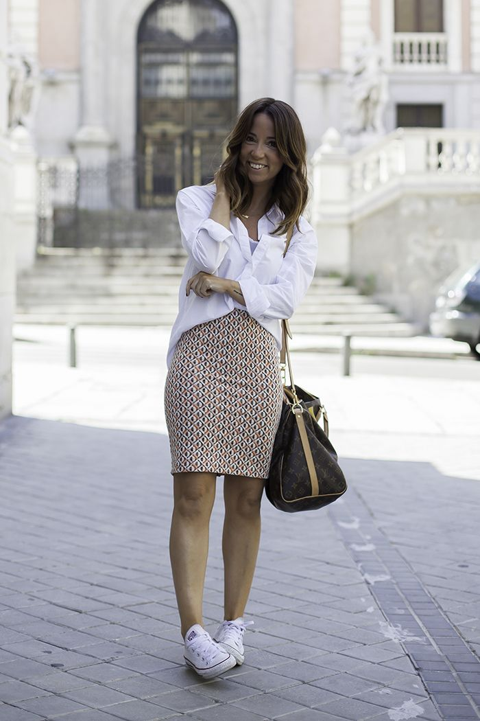 faldas con zapatillas converse