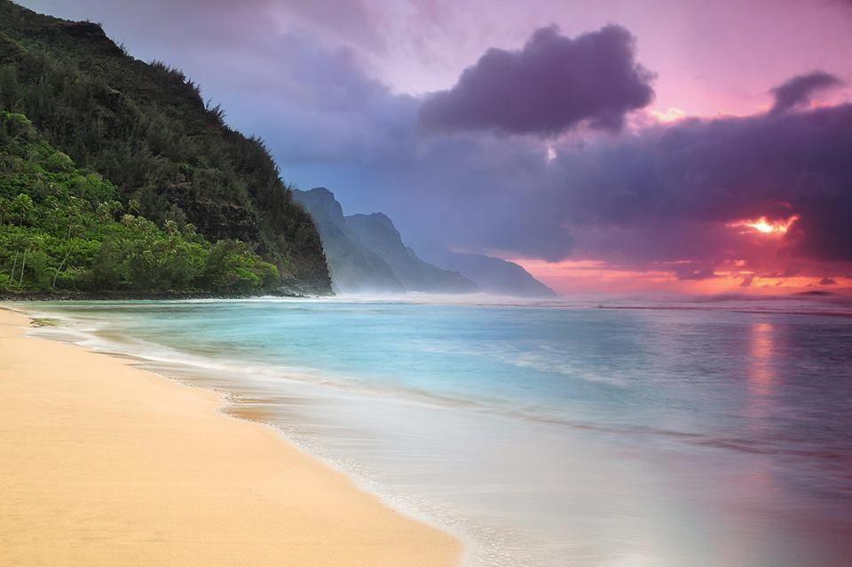 Sunset. Ke'e Beach, Hauai Island, Hawaii