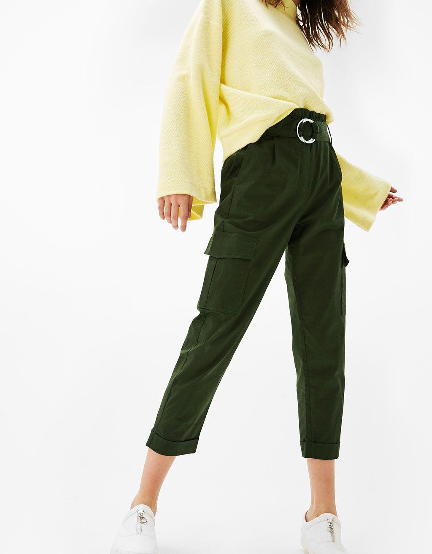 Pantaloni cargo serge cintura fibbia - Pantaloni - Bershka Italy ... 7f582168a134