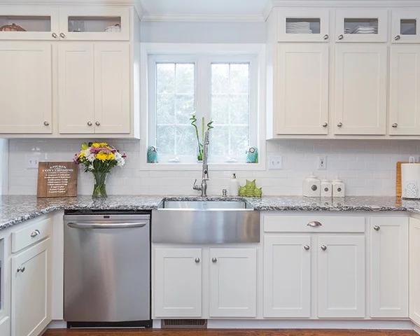 Is There a Dark Side to White Kitchen Cabinets? #darkkitchencabinets