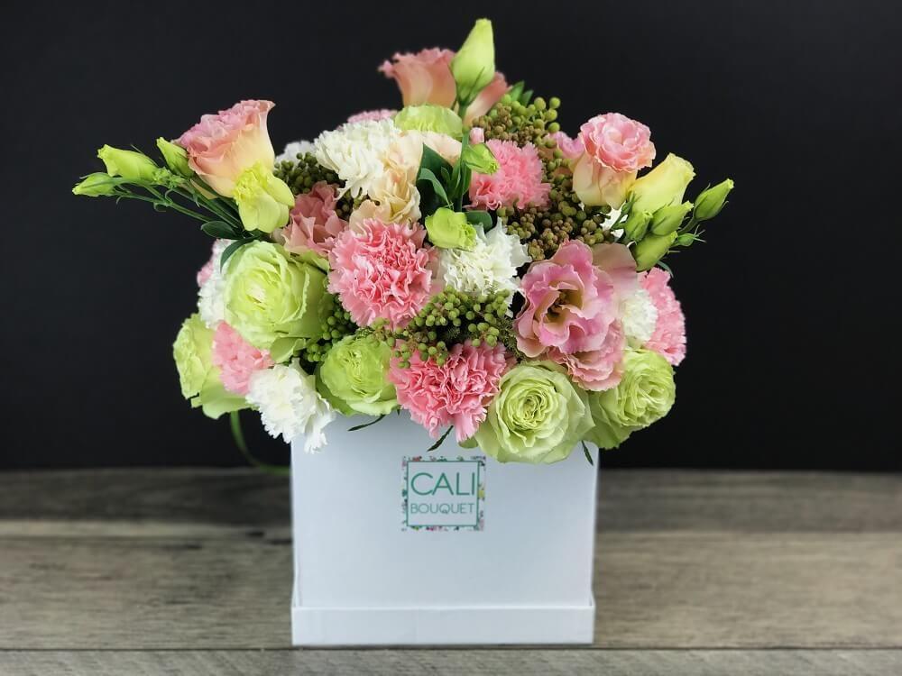 Lemon Sorbet Box Cali Bouquet Flower Arrangements Bouquet White Carnation