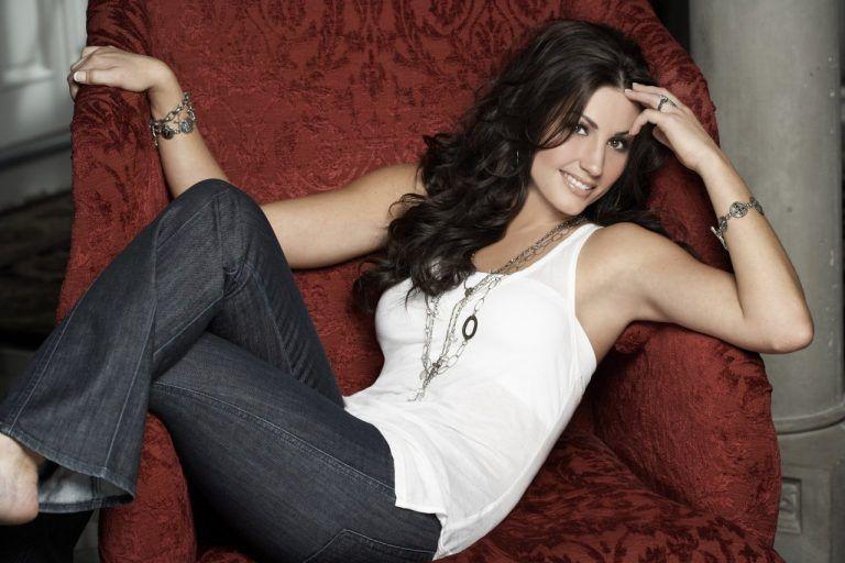 Danielle Peck, SiriusXM Y2Kountry OnAir Personality, Set