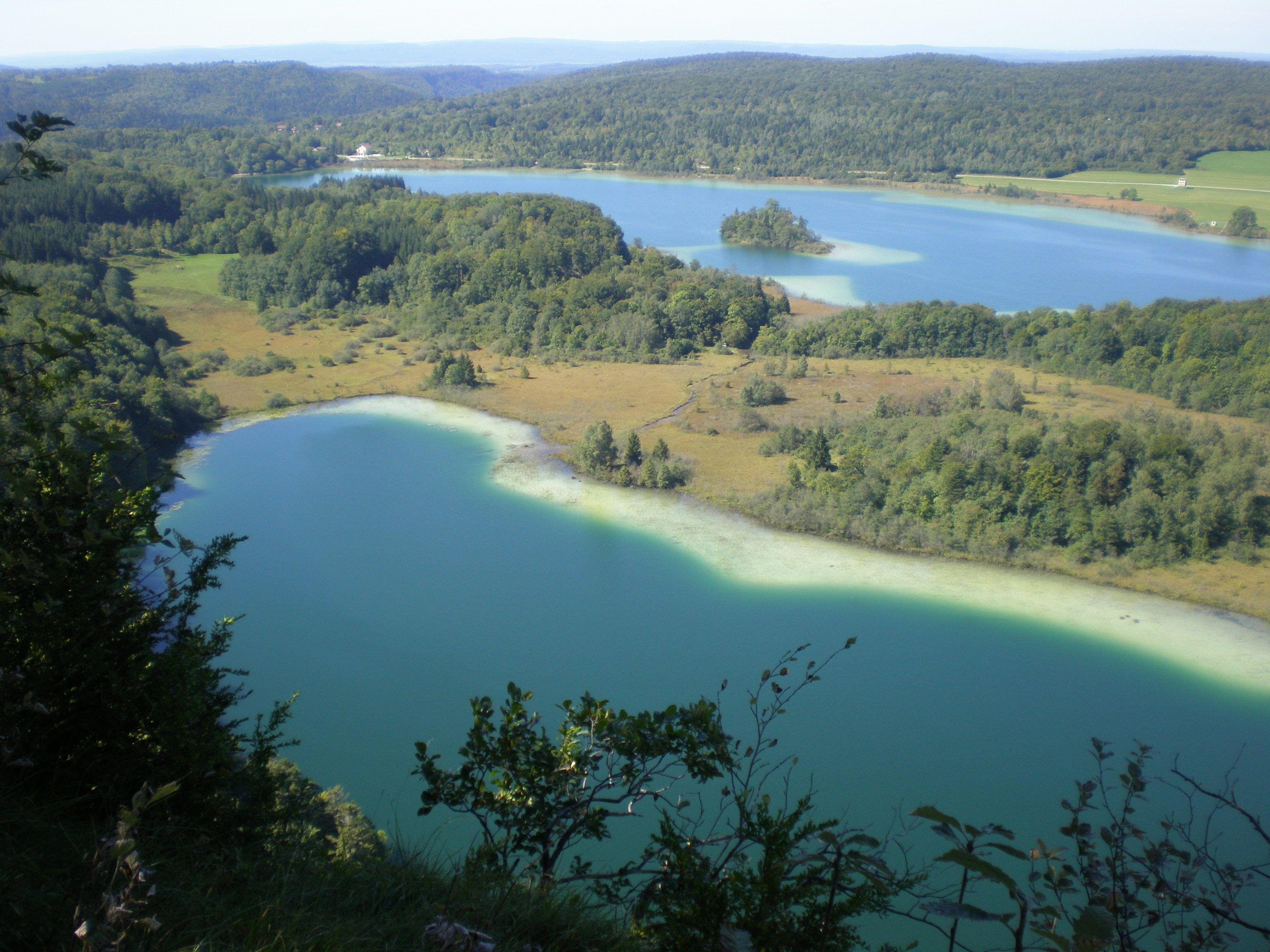 Monter Au Pic De L Aigle Vue Sur Lac D Ilay Lac Narlay Tour Des Lacs A Pied Ou Vtt En Famille Baignade En Ete Lac Franche Comte Corsica