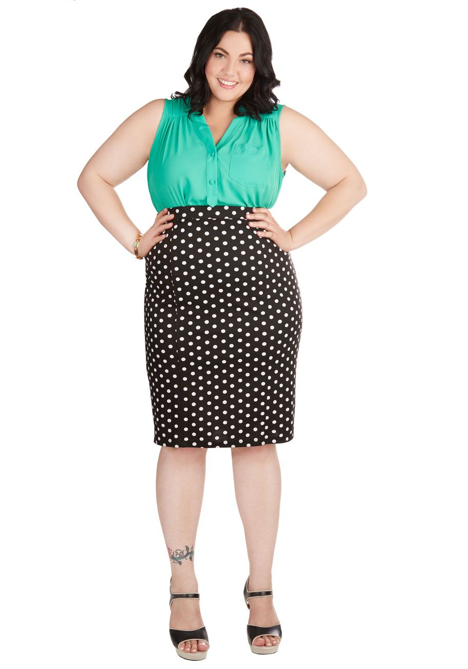 ceeb34c9e1022 Work Appropriate - Style Essential Skirt in Dots - Plus Size
