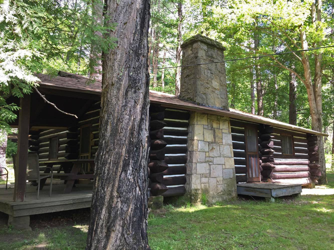 Need A Cabin Getaway Winter Rates Still Apply For Our Cook Riverside Fair Winds And Whispering Oaks Cabin In Cook Forest In 2020 Getaway Cabins Cabin Cabin Rentals