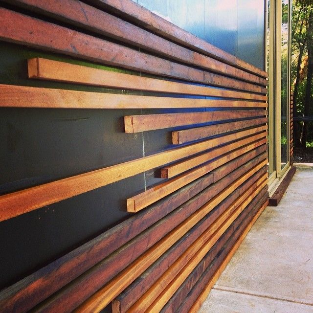 Vertical timber slate feature wall google search for Outside feature wall ideas