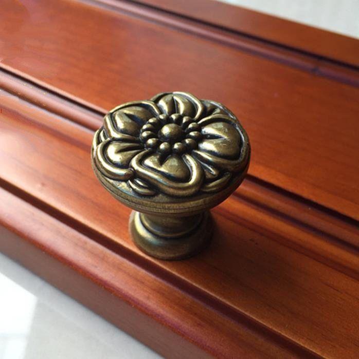 Zinc Alloy Retro Bronze Flower Cabinet Door Pull Handles Drawer Knobs 30*20mm