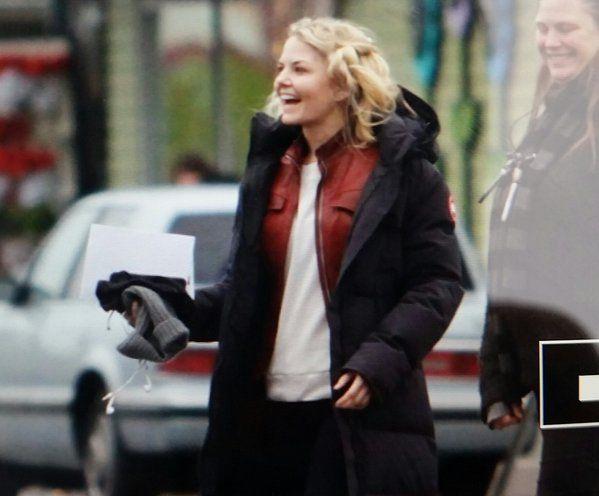 """Jennifer Morrison - Behind the scenes - 5 * 10 """"Devil's Due"""" - 1st December 2015"""