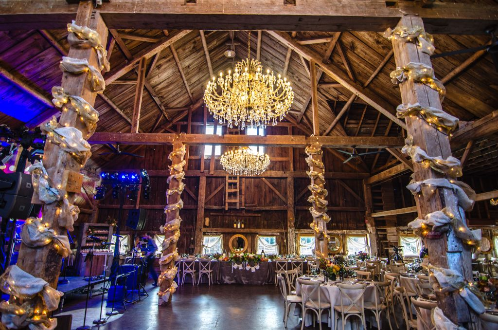 Rustic Barn Weddings Spotlight Bishop Farm In Lisbon NH