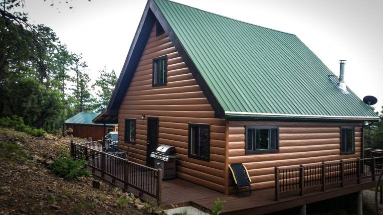 Steel Siding 29 Metal House Siding Ideas For Your Home In 2020 Metal Siding House Gambrel Style Steel Siding House