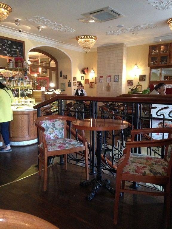 интерьер ресторана французской кухни Du Nord