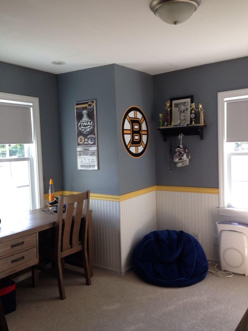 Boston bruins bedroom hockey pinterest paint colors Bruins room decor