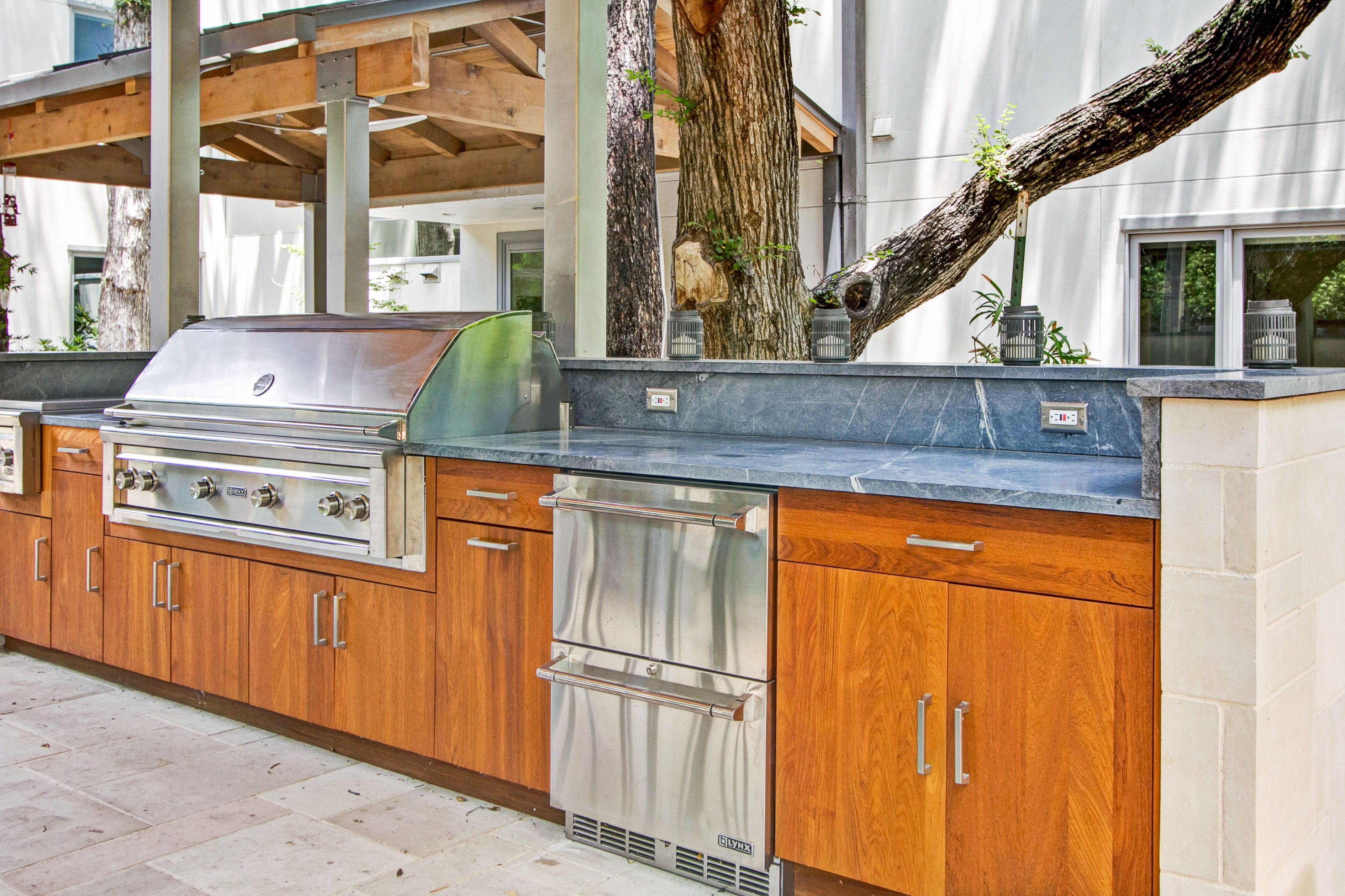 Teak Cabinets With Slab Door Lynx 54 Grill Double Side Burner And Drawer Fridge North Dallas Wildwood Outdoor Kitc Outdoor Kitchen Kitchen Slab Door