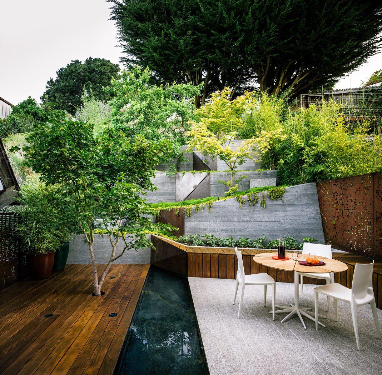 Mary Barensfeld Architecture   Backyard design, Sloped backyard, Modern  garden