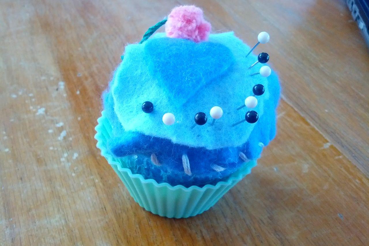 Cupcake/Heart Pincushion