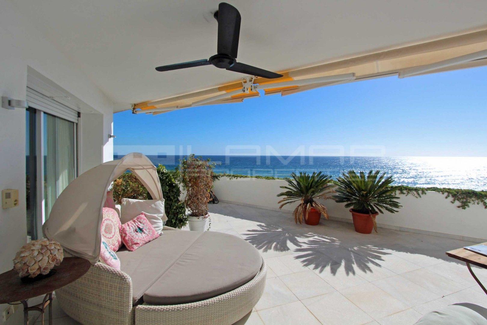 Beachfront duplex apartment in Guadalmina Baja - Marbella