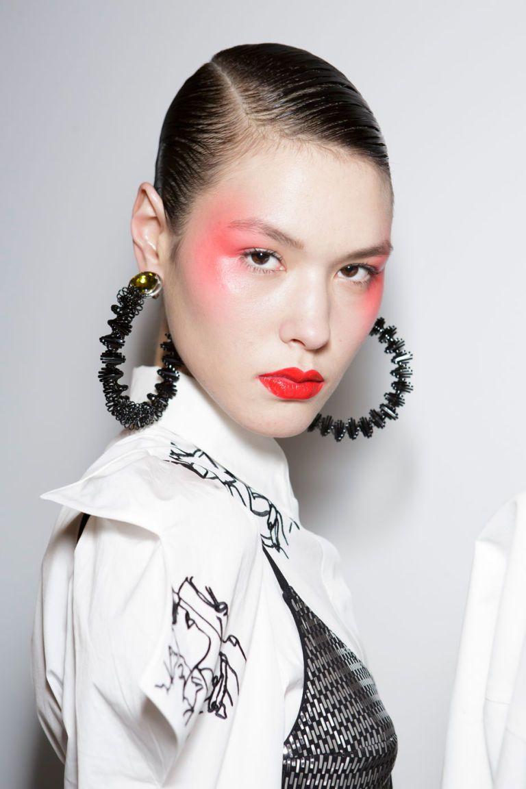 Louis Vuitton güzellik ve makyaj sırları