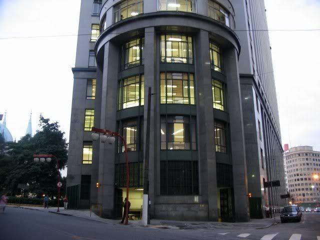 Fundos do prédio do Fórum Central