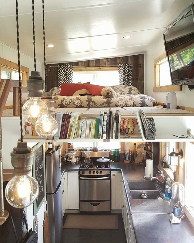 King Mini Kitchen: Master Loft With A King-size Bed, Over A Beautiful